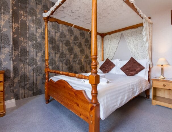 elim-guest-house-windermere-room-2-four-poster-bedroom