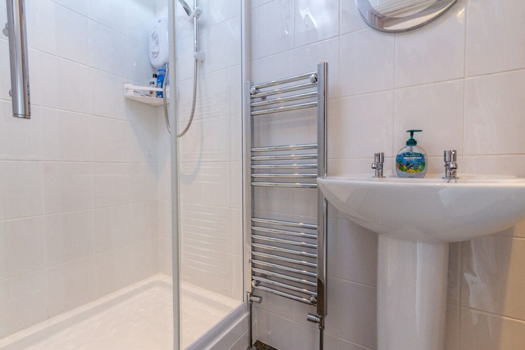 elim-guest-house-windermere-room-3-en-suite-accommodation